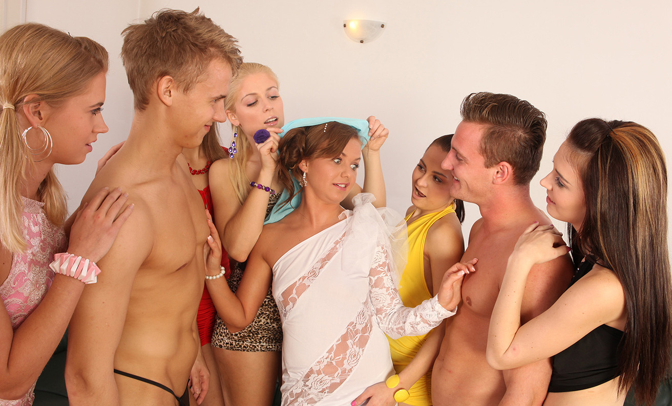 Fully Nude Femens Group Photos 97